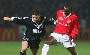 Nisa Saveljic avec le maillot bordelais contre Manchester United en Ligue des champions.