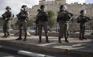 Des gardes-frontières israéliens en patrouille près de la vieille ville de Jérusalem, le 8 décembre 2017.