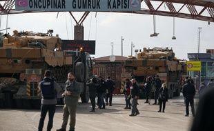 Tanks de l'armée russe à la frontière syrienne le 27 janvier 2018