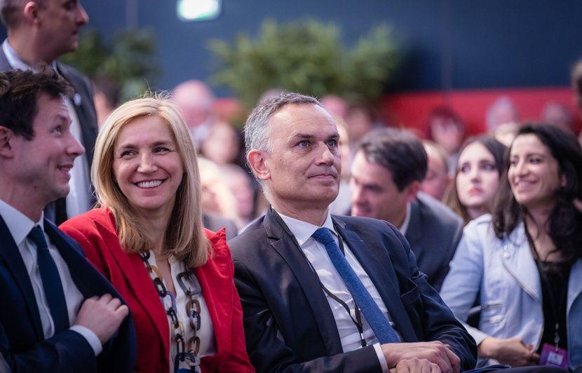 Emmanuel Macron et le n°3 de la liste LR aux européennes ont-ils déjeuné avec un «ancien chef terroriste albanais»?