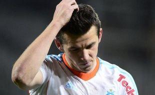 Le milieu de terrain de Marseille Joey Barton, qui a provoqué un tollé en traitant le défenseur brésilien Thiago Silva (PSG) de transsexuel, sera convoqué le 15 avril à 14h00 devant le Conseil national de l'éthique (CNE), a-t-on appris jeudi auprès de ce dernier.