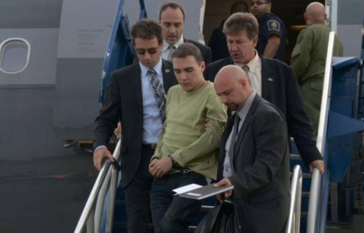 Le Canadien Luka Rocco Magnotta a plaidé non coupable mardi du meurtre et du dépeçage du corps d'un étudiant chinois au terme d'une brève comparution par visioconférence devant la justice à Montréal. –  afp.com