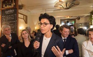 Rachida Dati, ici lors d'une réunion de campagne le 25 février, dispute un duel serré avec Anne Hidalgo dans les intentions de vote.