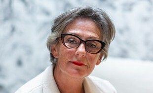 Sylvie Scotti est la propriétaire de deux magasins d'ameublement situés à Saint-Malo. Elle refuse de fermer malgré le confinement.
