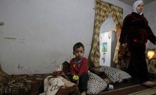 Les milliers de réfugiés syriens au Liban vaudraient la création d'un camp pour les accueillir comme en Turquie ou en Jordanie, mais le gouvernement et l'ONU rejettent cette idée.