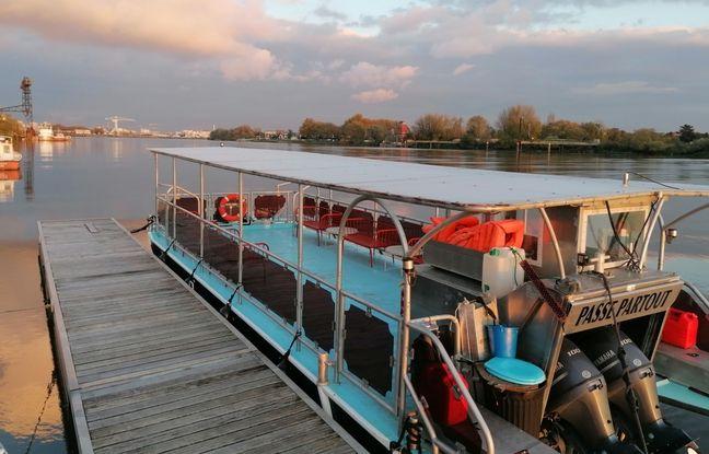 Le bateau Passe-partout propose des croisières commentées autour de l'île de Nantes.