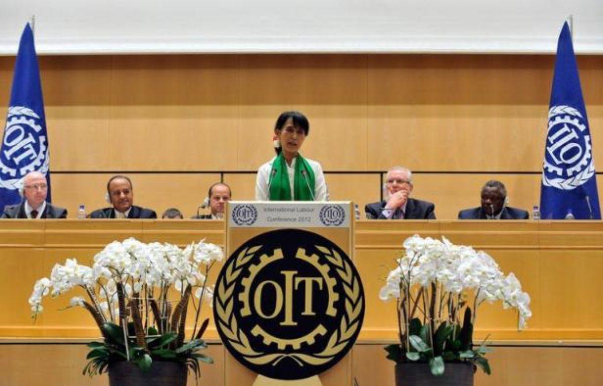 Le groupe pétrolier français Total est un investisseur responsable en Birmanie, a déclaré jeudi la chef de l'opposition birmane Aung San Suu Kyi, au cours d'une conférence de presse à Genève. – Sebastien Feval afp.com