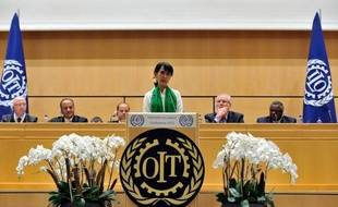Le groupe pétrolier français Total est un investisseur responsable en Birmanie, a déclaré jeudi la chef de l'opposition birmane Aung San Suu Kyi, au cours d'une conférence de presse à Genève.