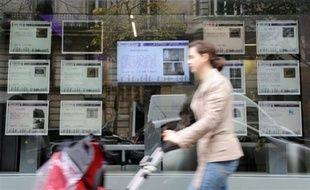 La distribution de crédits immobiliers a fortement reculé en France en 2008, de 17,3% par rapport à 2007, selon une étude de Crédit Logement publiée mardi.