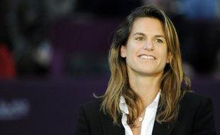 Amélie Mauresmo, ancienne N. 1 mondiale, a été nommée capitaine de l'équipe de France de FedCup en remplacement de Nicolas Escudé, a annoncé jeudi la Fédération française de tennis (FFT)