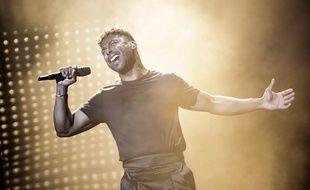 Le chanteur suédois John Lundvik sur la scène de l'Eurovision lors de sa deuxième répétition, le 10 mai 2019.