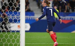 Antoine Griezmann ouvre le score pour la France contre la Finlande, le 7 septembre 2021 à Lyon.
