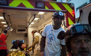 Un blessé pris en charge par des «street medic», le 15 avril 2019 (image d'illustration).