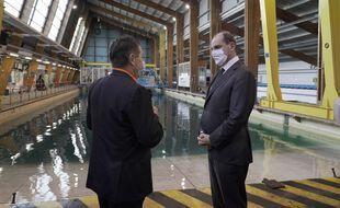 Jean Castex, Premier ministre, ici lors de la visite de la piscine simulation de vagues à l'Ifremer à Brest.