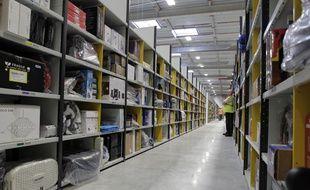 Un entrepôt logistique d'Amazon en France.