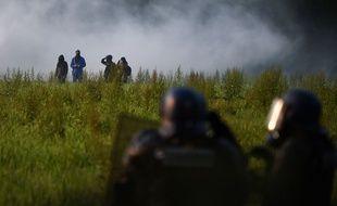 Des affrontements sur la ZAD, le 17 mai 2018 / AFP PHOTO / GUILLAUME SOUVANT