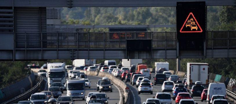 Un embouteillage le week-end du 1er août, près de Chasse-sur-Rhône.