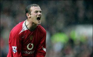 Wayne Rooney est furieux contre son coéquipier de l'équipe d'Angleterre de football Michael Owen (Newcastle) qui lui aurait présenté un bookmaker auquel l'attaquant de Manchester United devrait désormais 700.000 livres (environ un million d'euros), selon la presse anglaise de lundi.