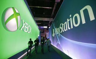 Les stands de Microsoft (Xbox) et de Sony (Playstation), à l'E3 2014.
