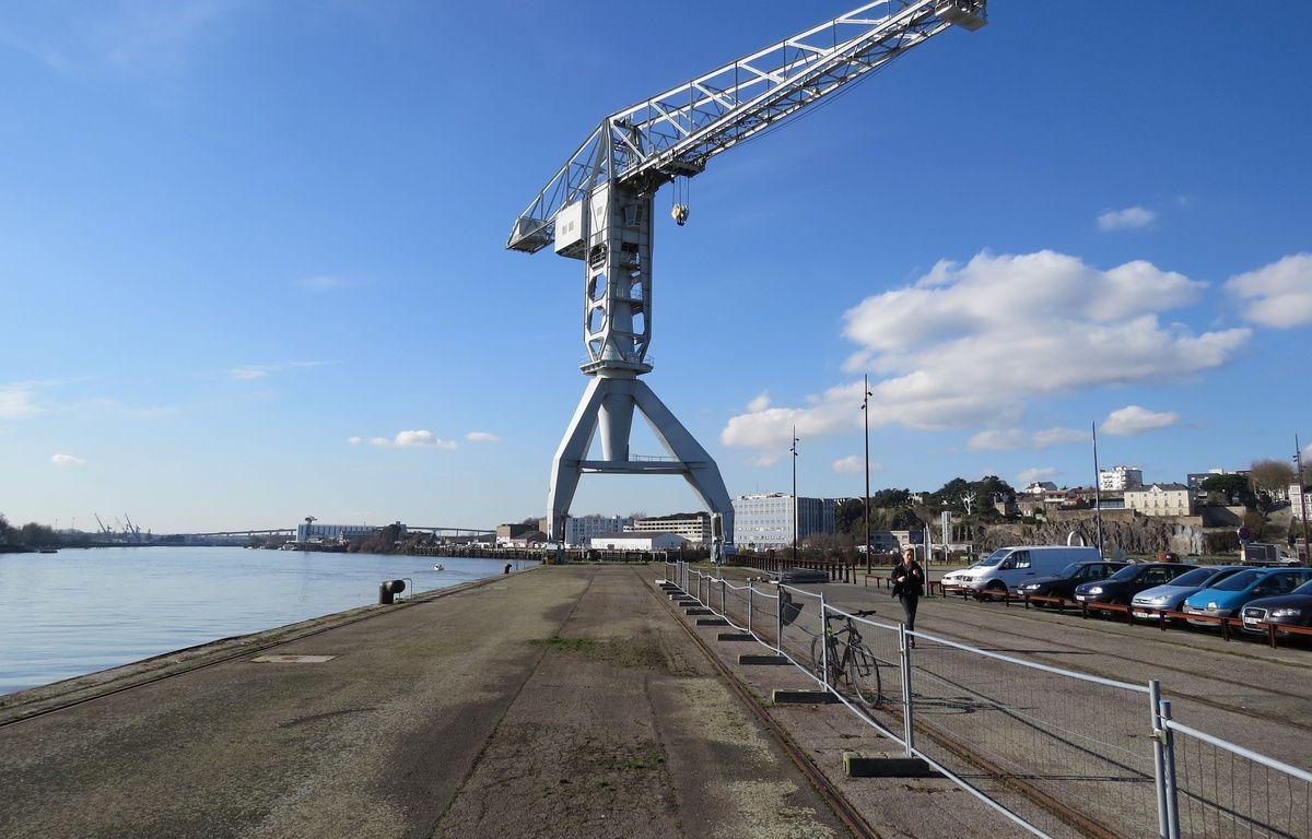 Le quai Wilson et la grue Titan grise sur l'île de Nantes. – F.Brenon/20Minutes