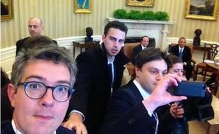 Selfie du journaliste du Monde Thomas Wieder dans le bureau ovale à Washington