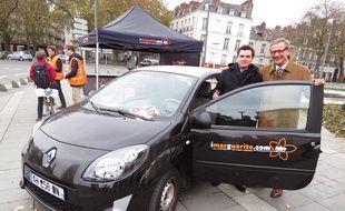 Arnault Lebeaupin et Tony Lesaffre, responsable du service d'autopartage Marguerite.