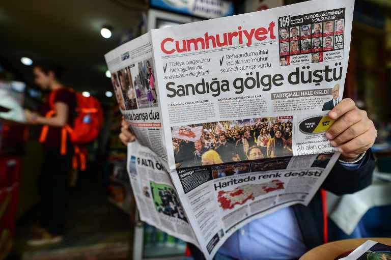 Bourse et livre turque se renforcent après le référendum — Turquie