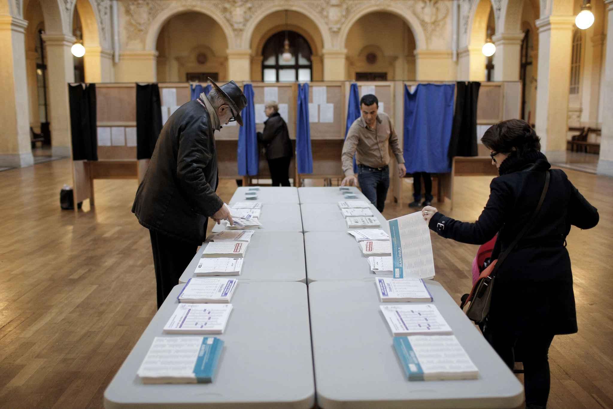 Bureau De Vote Lyon Election Pr Sidentielle Le Jour De Vote
