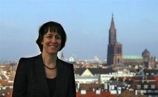 L'issue des municipales semble très incertaine à Strasbourg où la gauche, emmenée par l'ancien maire socialiste Roland Ries, est au coude à coude avec la droite, incarnée par le tandem UMP sortant Fabienne Keller et Robert Grossmann.