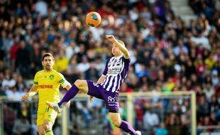 L'attaquant roumain du TFC Mihai Roman lors du match de Ligue 1 contre Nantes, le 4 mai 2014 au Stadium de Toulouse.