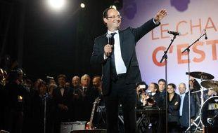 François Hollande place de la Bastille, à Paris, le 6 mai 2012.