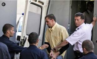 Jean-Pierre Planqueel, lors de son arrivée hier à la cour d'assises.