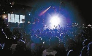 Avant le rappeur Orelsan (à g.) à Pantiero le 8 août, les Plages électroniques montent le son dès ce jeudi (au c.). Amadou et Mariam (à d.) feront quant à eux la clôture du  Nice jazz festival le 12 juillet.