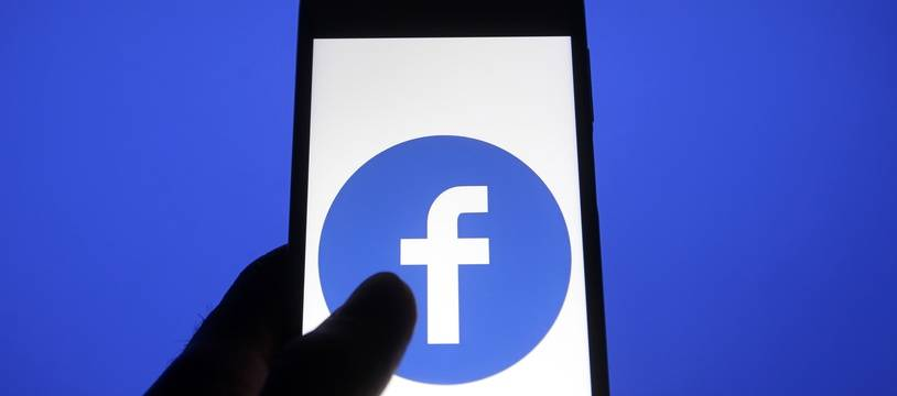 Facebook sur un smartphone (illustration).