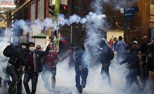 Affrontements entre la police et des manifestants pro-Morales, le 15 novembre 2019 à La Paz.