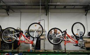 L'usine de montage de vélos de la Manufacture française du cycle de Machecoul (Loire-Atlantique), le 29 mai 2015