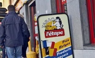 Les débitants belges foisonnent à Menin, non loin de la frontière française.