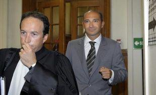 Laurent Fabius et son avocat Cyril Bonan, à leur arrivée arrive le 1er juin 2011 au Tribunal de Grande Instance de Paris