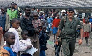 Un soldat français lors de l'opération Turquoise, en juin 1994 au Rwanda.