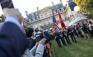 Réception à l'ambassade des Etats-Unis en France le jour de l'«Independence Day» américain.