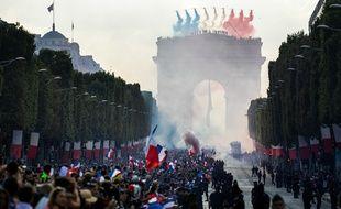 Les Bleus sur les Champs-Elysées, le 16 juillet 2018.