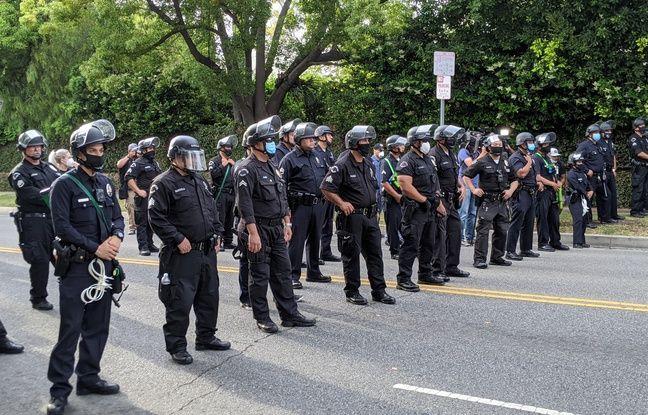 Plusieurs milliers de personnes ont manifesté à Los Angeles contre les violences policières et le racisme, le 2 juin 2020.