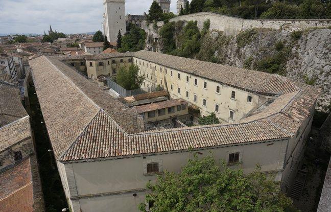 La vue extérieure de l'ancienne prison Saint-Anne à Avignon, avant sa transformation.