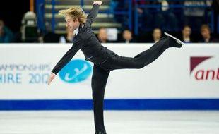 Le Russe Evgeni Plushenko est devenu champion d'Europe de patinage artistique messieurs pour la 7e fois avec un total de 261,23 points, alors que le champion en titre français, Florent Amodio a pris la 3e place (234,18), samedi à Sheffield.