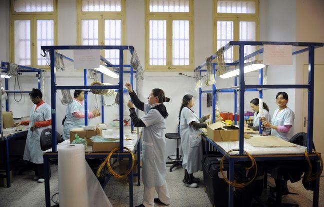 Des détenues travaillent à la prison des Baumettes (Marseille)