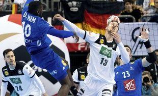 La France a arraché le match nul (25-25) au terme d'une grosse bagarre contre l'Allemagne, au premier tour du Mondial de handball, le 15 janvier 2019.