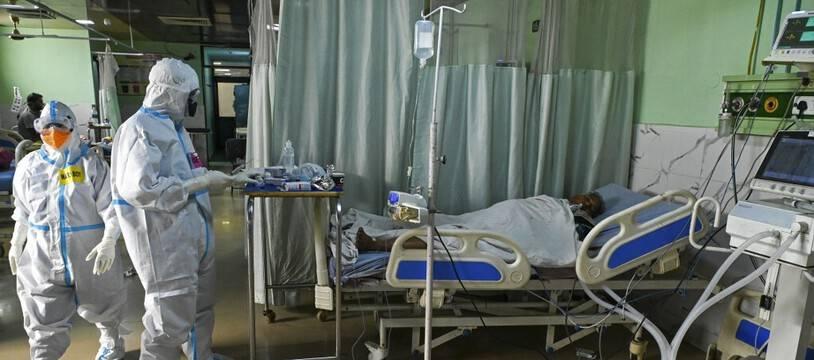Un patient atteint du Covid-19 dans un hôpital de Moradabad en Inde, le 5 mai 2021 (Illustration).