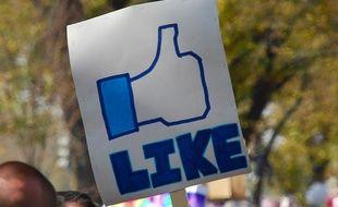 Un like Facebook sur une affiche en 2010