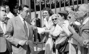"""Légendaire fête foraine, la """"Kermesse aux étoiles"""", créée après-guerre pour célébrer la Libération de Paris et la 2e DB du maréchal Leclerc, fera son retour 60 ans après, vendredi à partir de 19H00, au Jardin des Tuileries, le temps d'une soirée de bienfaisance."""