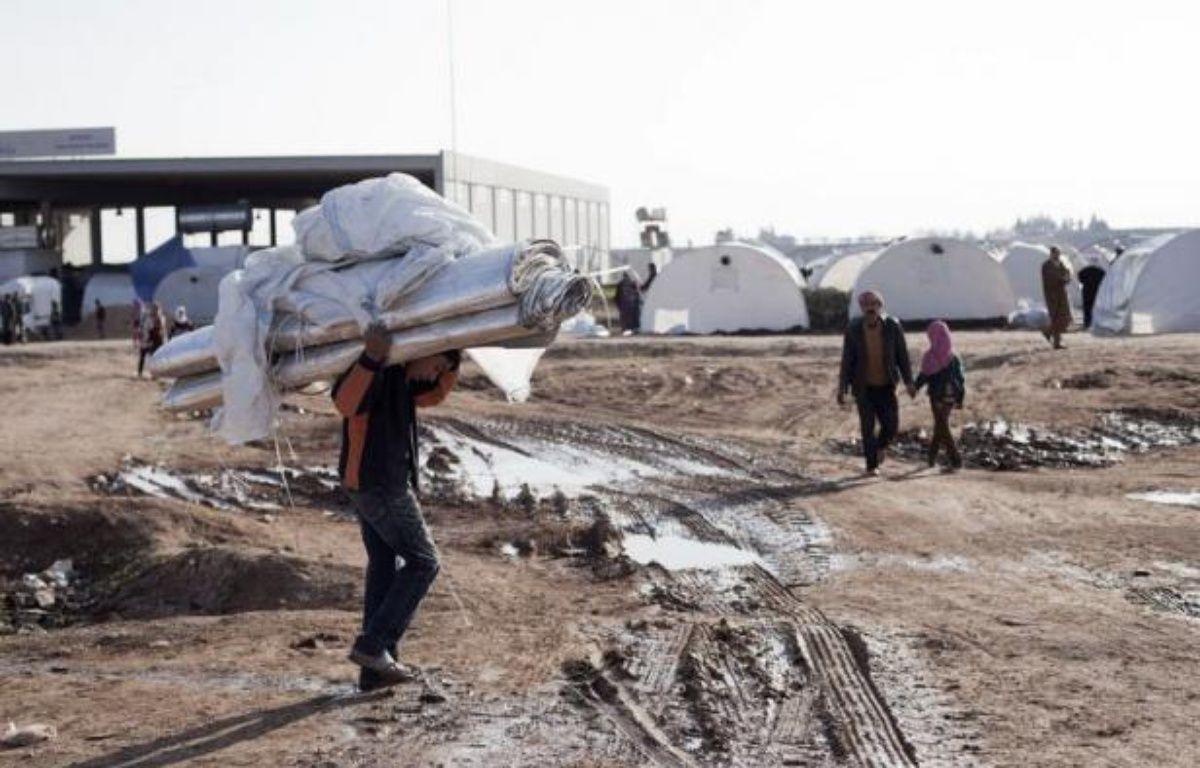Les Nations unies ont annoncé mercredi la mort de plus de 60.000 personnes dans le conflit qui fait rage depuis 21 mois en Syrie où les redoutables chasseurs-bombardiers du régime intensifiaient les raids meurtriers et les combats ne connaissaient aucun répit. –  afp.com
